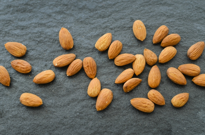 THE FOOD SERIES:Almonds